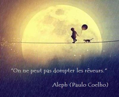 """"""" L'espoir et le rêve sont deux univers qui s'agrandissent en se partageant. """" Citation de Jacques Salomé ;"""