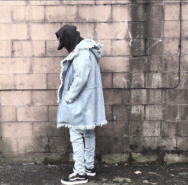 "64 Likes, 4 Comments - Street Fashion (@coderedstaylow) on Instagram: ""Vans . . . . . #kaptenandson #fashion #japan #yasuke #storytime #gaijin #streetwearfollow…"""