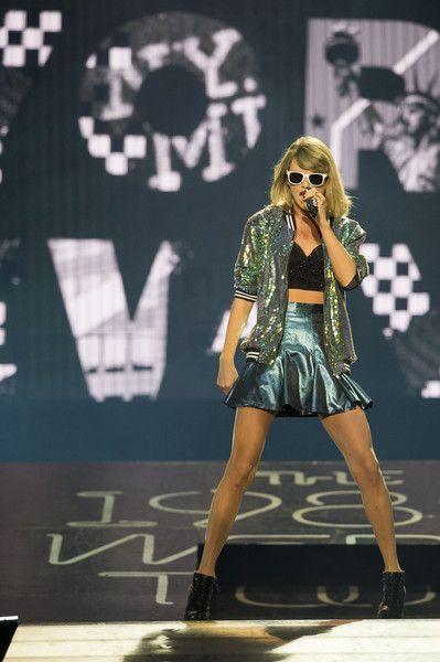 Taylor Swift Photos: Taylor Swift Performs at 'The 1989 World Tour Live' in Dublin