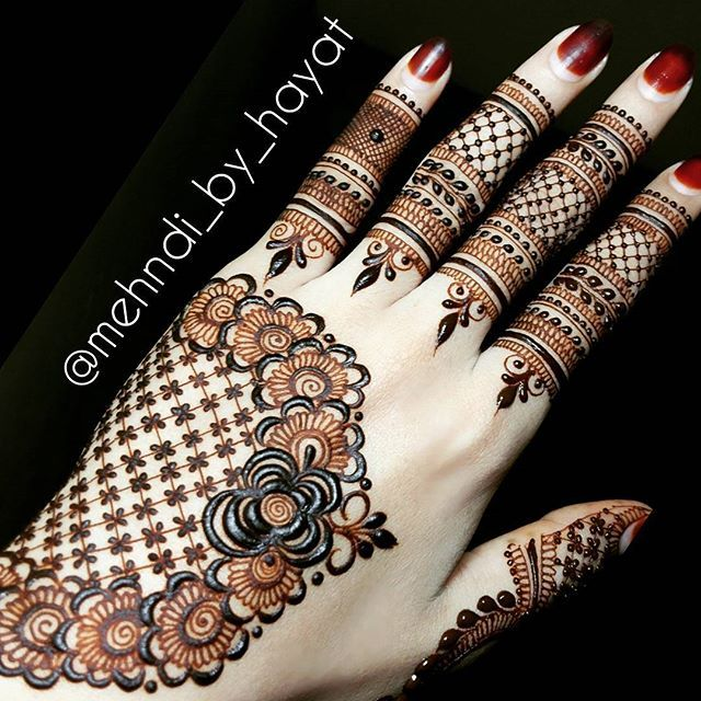 """Complete post! As per the request  Don't feel awkward when talking to Allah. It can only feel awkward if you think no one is listening. """"Indeed, my Lord is the All-Hearing of dua."""" -- Surah Ibrahim [14:39]. #mehndi_by_hayat"""