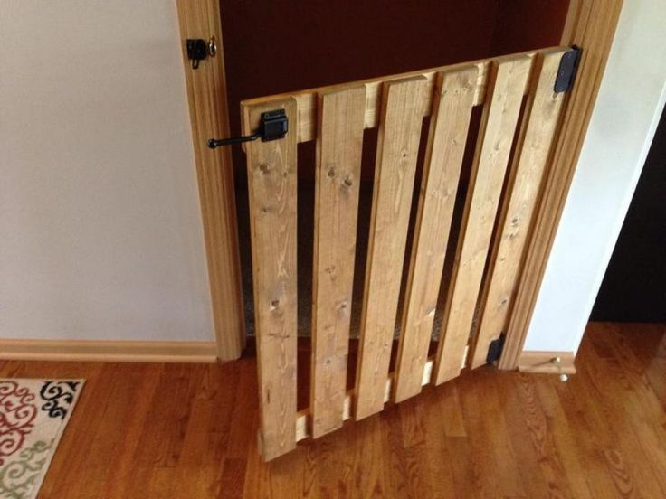 4 models of safety gates made with wooden pallets wooden