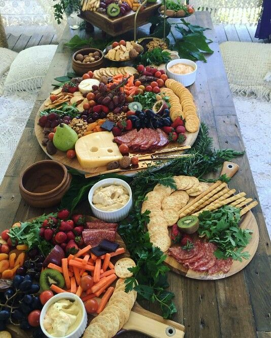 Simple Wedding Reception Food: Love This Bohemian Style Platter Table … In 2019