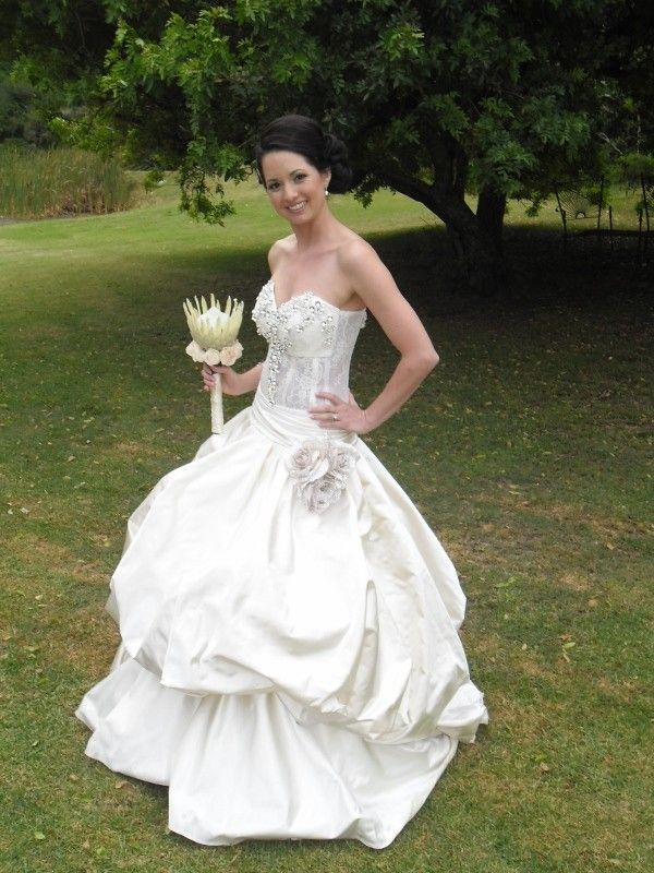 Anton Randall Crystal flower Size 10 Pre-Owned Wedding Dress | Still White South Africa