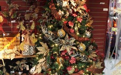 ... animal-print-decorated-christmas-tree-christmas-decorations-jogjaers.c