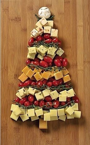 Christmas Cheese and Veggie Tray   Community Post: 50 Essential Christmas Hacks, Tips, And Tricks To Help You Survive The Holidays