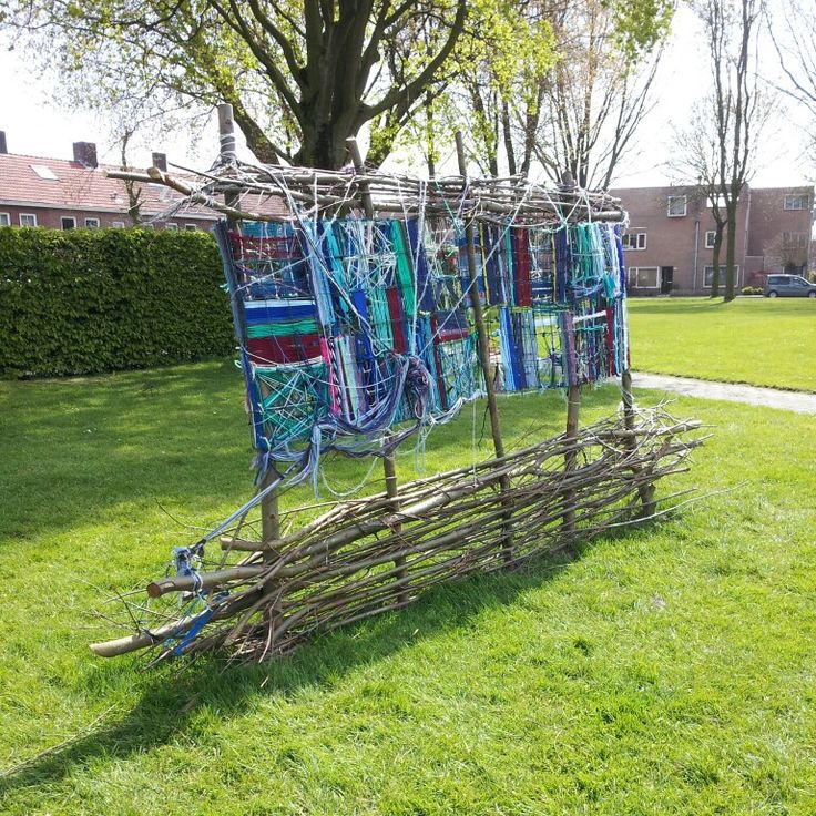 Dag16 #blauwtilburg kunstwerk1. Met t zonnetje erop op z'n mooist!