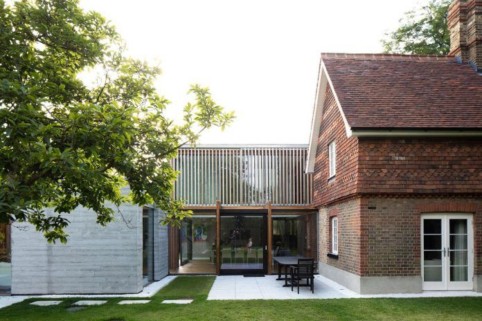 Contemporary and Victorian new extension that meets the old with a touch of glass - CAANdesign
