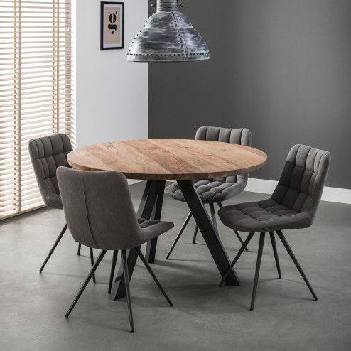 Ronde Eettafel 'Jenna' 120cm, Deze ronde eetkamertafel heeft een diameter van 120 centimeter en een bladdikte van 38 millimeter. Het massief uitgevoerde blad is gemaakt van acacia hout. Blank afgelakt tegen vocht en voor een mooie natuurlijke uitstraling. De 3-poot is uitgevoerd in geschuurd RVS en zijn 8 bij 4 centimeter dik. De poten hebben robuuste lasnaden voor een stoerder effect.#ronde eettafel #acacia houten eettafel #industriele tafel #industriele tafel rond