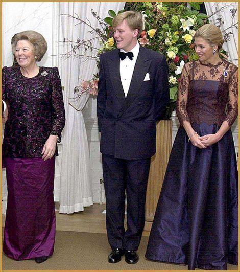 dentelle violette - eerste officiële diner met ministerraad voor het huwelijk op 02-02-2002