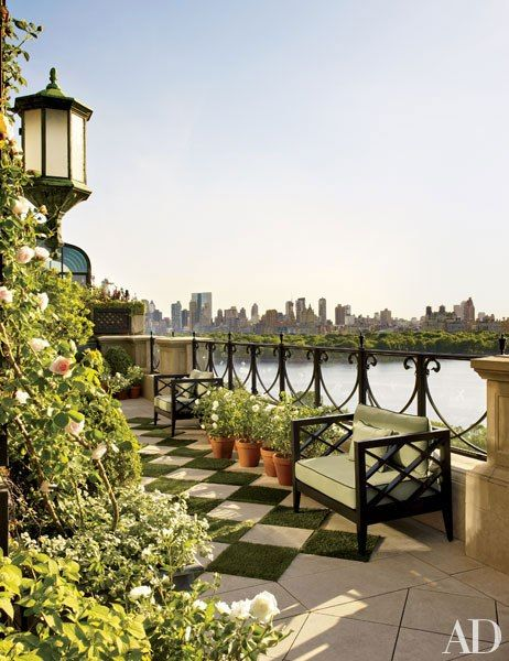 Bette Midler Shows off Her Manhattan AbodePenthouses Terraces, Climbing Rose, Outdoor, Central Parks, New York Penthouse, New York Apartments, Gardens, Betting Funds, Architecture Digest