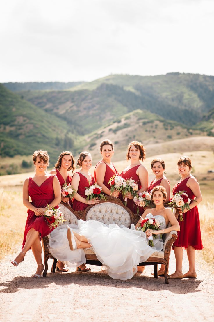 Beautiful bridesmaids in flattering v-neck bridesmaid dresses. | PHOCO Photography