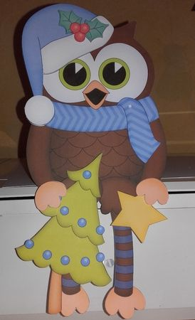 3D On the Shelf Card Kit - Christmas Little Hoot Owl has a Christmas Tree - Photo by Wanda Lipski