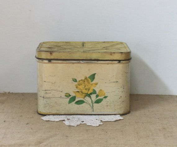 Vintage Metal Bread Box Beso