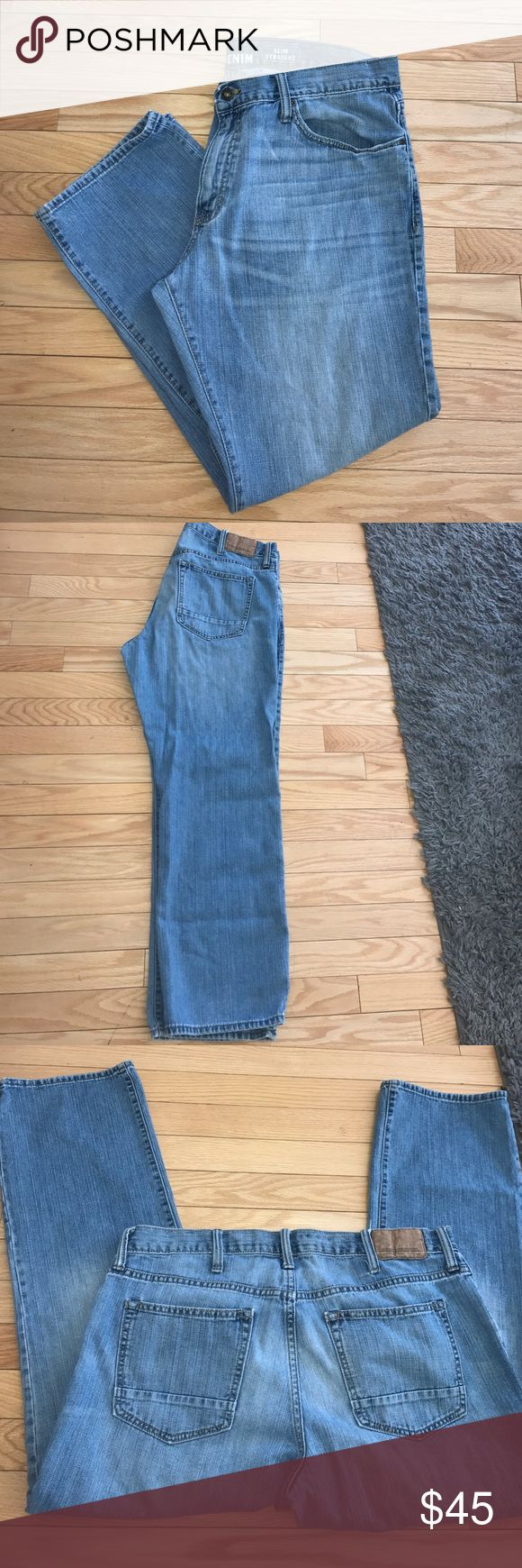 Old Navy Men's  Jeans 36X30 - Slim Straight fit Old Navy Men's Blue Jeans 36X30 - Slim Straight fit . Pre-loved Condition. Zipper and button fly . Old Navy Micro Blue Premium Denim Collection.  100% COTTON Old Navy Jeans Slim Straight