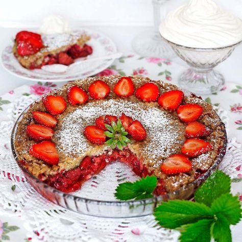 Knäckig jordgubbspaj | Tidningen Hembakat