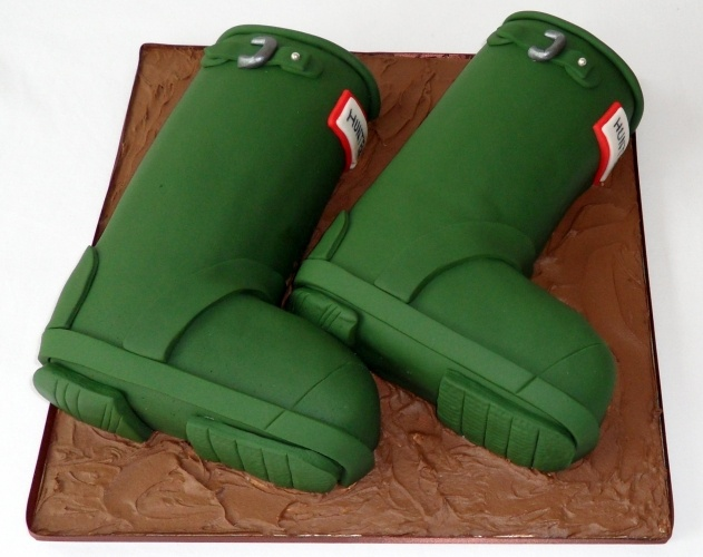 Hunter Wellies Cake! How cool is this cake?!