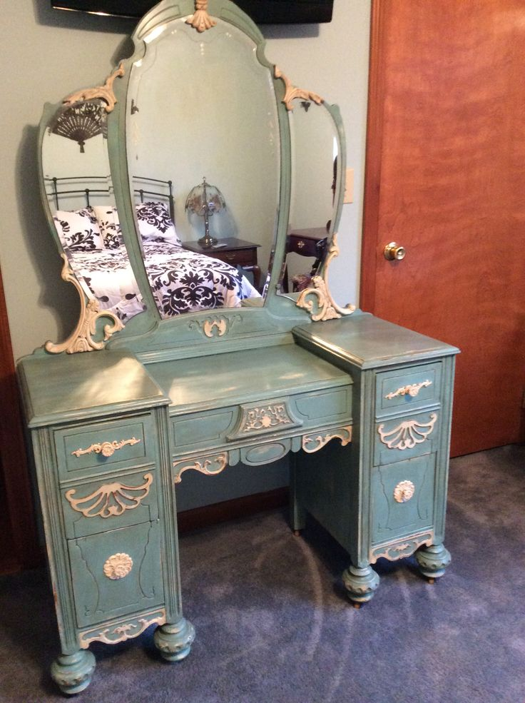 Chalk paint on antique vanity table