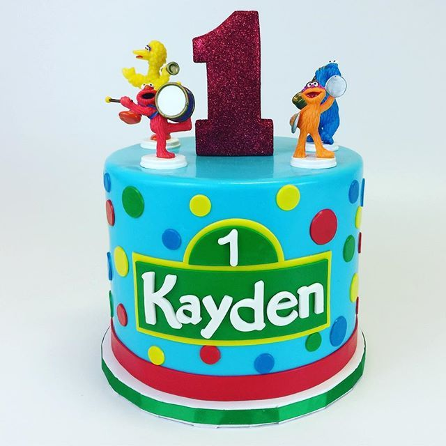 388 best Childrens cakes images on Pinterest Happy b day Happy