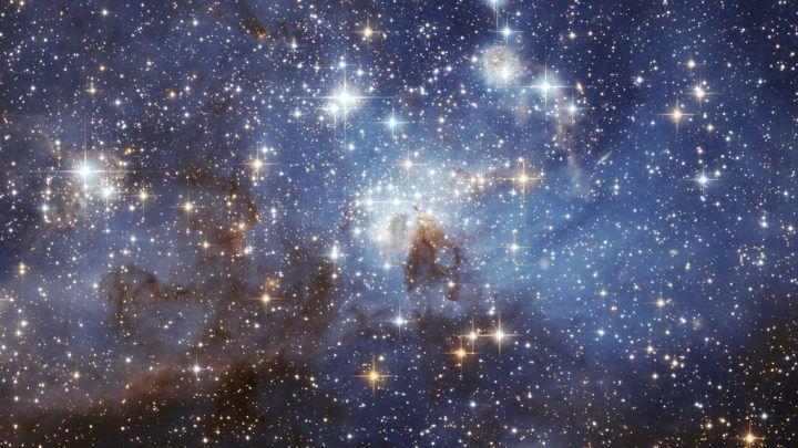 Od momentu powstania pomysłu, prac nad teleskopem i jego ostatecznym wysłaniem w przestrzeń pozaziemską całkowity budżet projektu wzrósł do 1,175 mld dolarów. Na zdjęciu konstelacja LH 95 w Wielkim Obłoku Magellana 48.