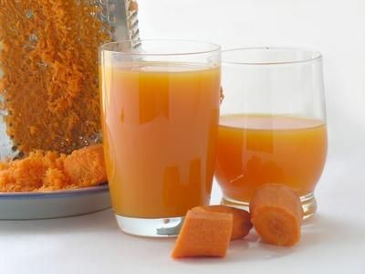 Carrot juice is richer in vitamins and minerals than a raw carrot.