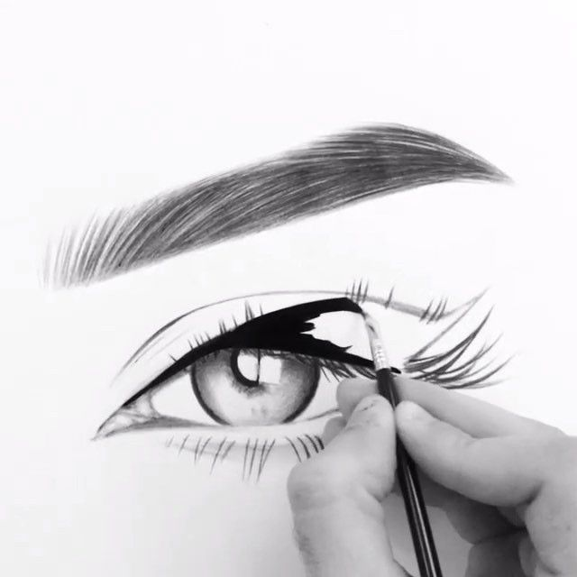 We can't get enough of @hindash's work using #Sigmabrushes. He makes it look so easy! ______________________ The talented artist used our FX10 brush from our Special FX Brush Set for this mesmerizing piece. // #sigmabeauty #eyelinergoals