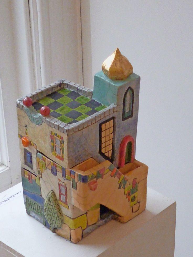 Treasure House II, raku fired lidded box by Lynne Wilson