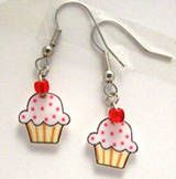 Cupcake earrings from shrink plastic!! So cute and perfect for all of the cupcake obsessed...which, face it, is pretty much all of us! :)