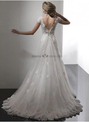 テレサ - Aライン オーガンジー Vカット フレンチスリーブ ワトートレーン ヴィンテージ風ウェディングドレス