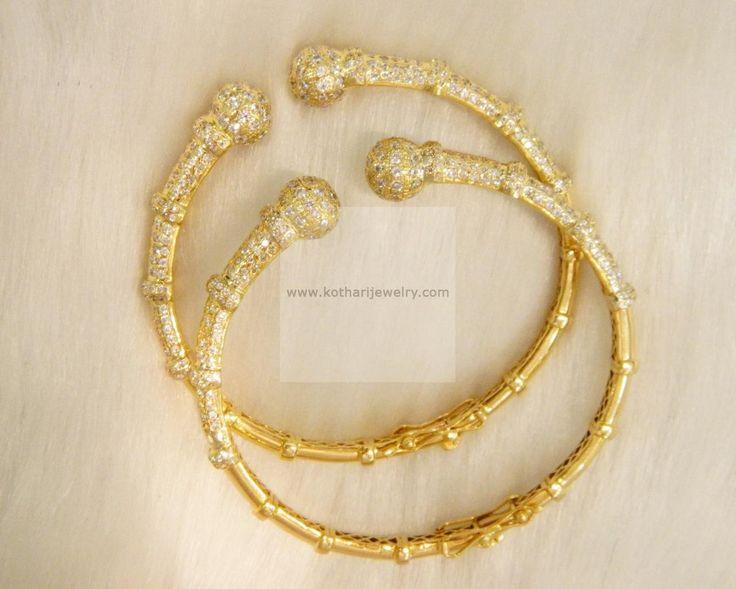 Bangles / Bracelets / Kada - Gold Jewellery Bangles / Bracelets / Kada (BG30822897) at USD 1,300.13 And EURO 1,185.70
