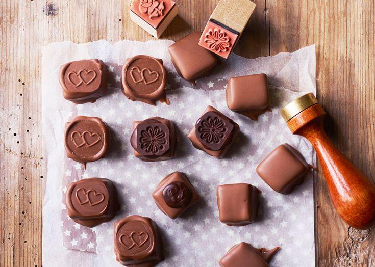 Lakridsmarcipankonfekt med lys chokolade - Odense Marcipan