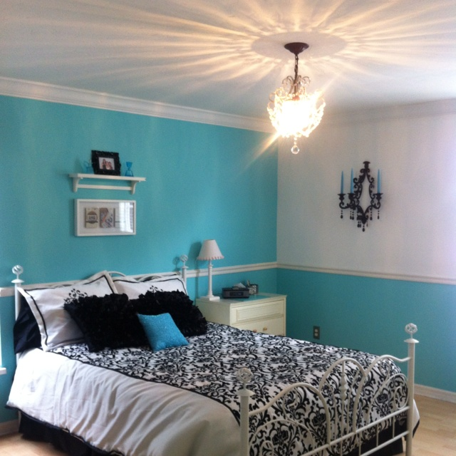 best 25 tiffany inspired bedroom ideas on pinterest tiffany blue color tiffany room and. Black Bedroom Furniture Sets. Home Design Ideas