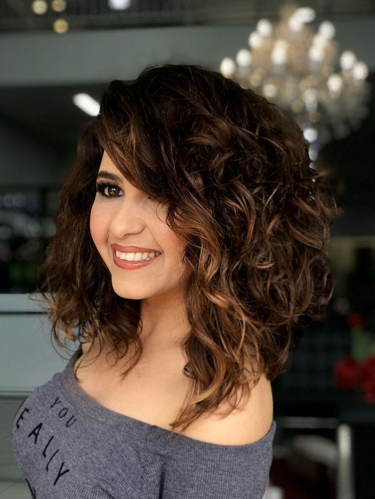 желаем стрижки для вьющихся волос средней длины фото прочих
