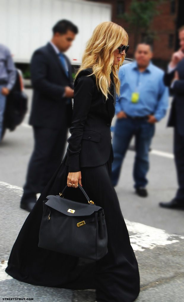 All-black outfits with volume are really working for me right now. The Hermès doesn't hurt, of course.