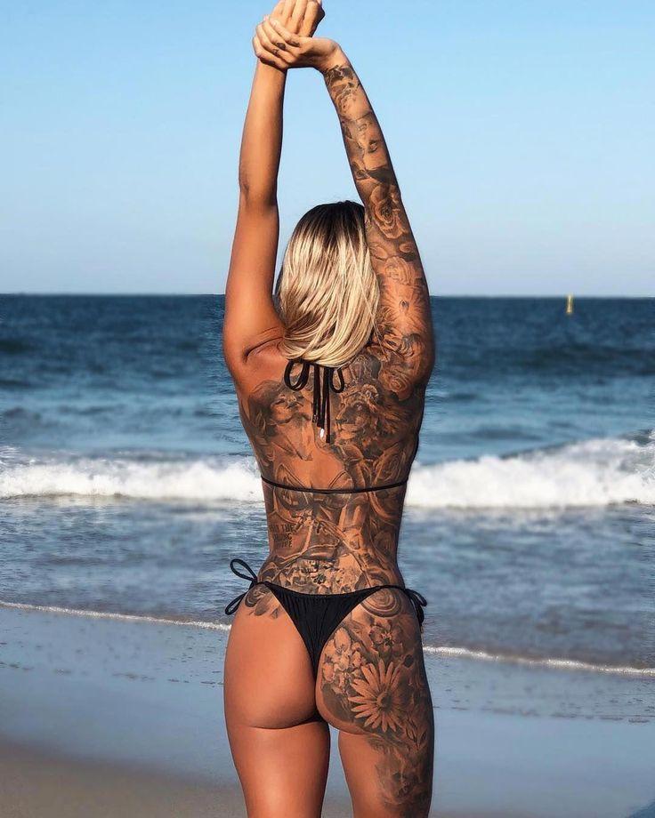 """Lorelle Knight auf Instagram: """"Jeder braucht einen kleinen schwarzen Bikini, ich …   – Urlaub"""
