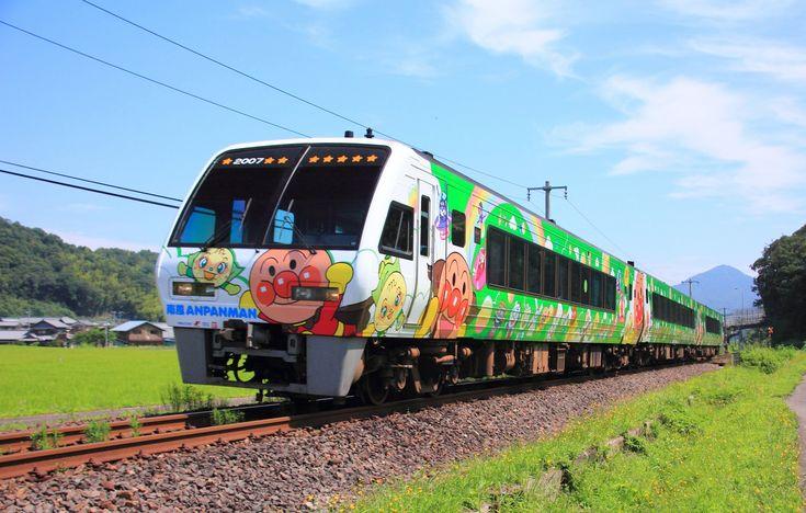 JR四国「アンパンマン列車」(岡山・高松〜松山〜宇和島)