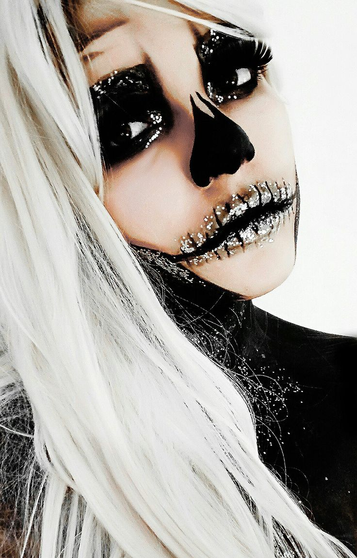 Maquillaje para Halloween, calavera con Glitter. Genial para ir guapa.