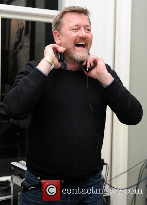 Elbow frontman Guy Garvey has married his girlfriend Rachael Stirling in a ceremony in Manchester, England.
