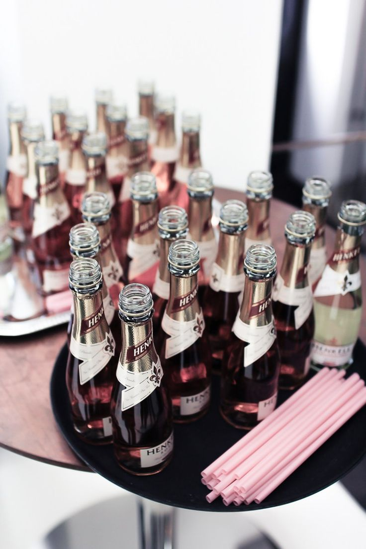 Some bubbly goodness was provided by #henkell ! Thank you for making the day festive !! // Camilla Czakan captured the moments perfectly ! Thanks for coming, love! #anniruuth #odeforpremiere #collectionlaunch