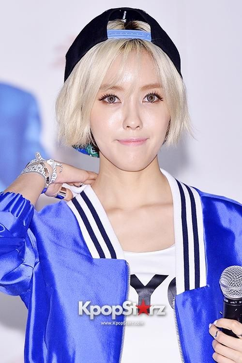 T-ARA's Hyomin To Throw 1st Pitch At September 13 Pittsburgh Pirates Game - http://imkpop.com/t-aras-hyomin-to-throw-1st-pitch-at-september-13-pittsburgh-pirates-game/