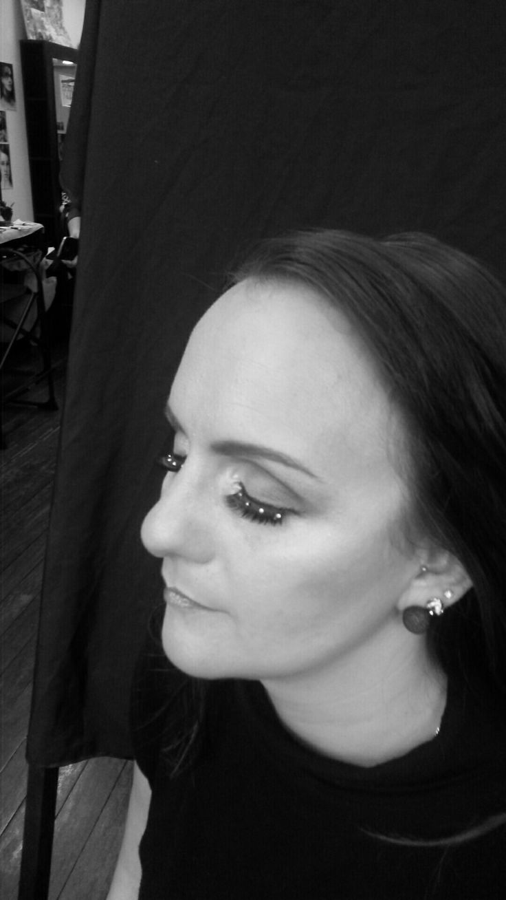 B & white photography makeup
