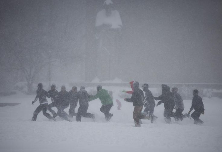 EN IMAGES. 32 photos impressionnantes de la tempête de neige historique qui s'abat sur les Etats-Unis
