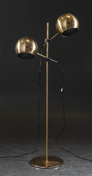 Vara: 3981836 Golvlampa, 'Klot 1', Hemi 1900-talets andra hälft.