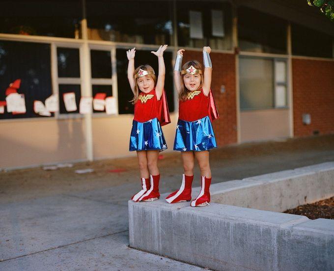 Сестры-близнецы Geoff Black