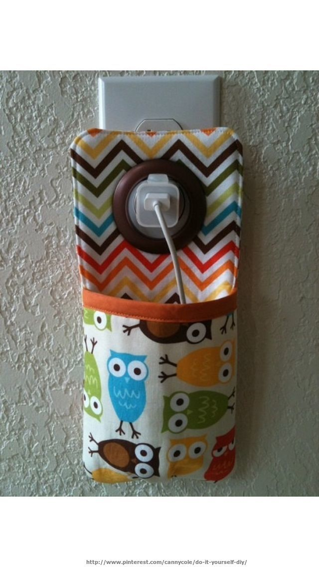 Cool idea for a phone charger! I use this all over my house and have made a few for some friends!  //More DIY at http://www.pinterest.com/cannycole/do-it-yourself-diy/
