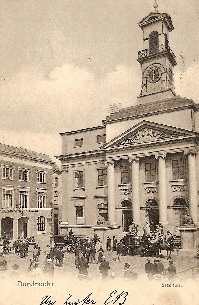 Het Stadhuis, waar mening Dordtenaar getrouwd is. Pas van 1811 werd een huwelijks register bijgehouden.