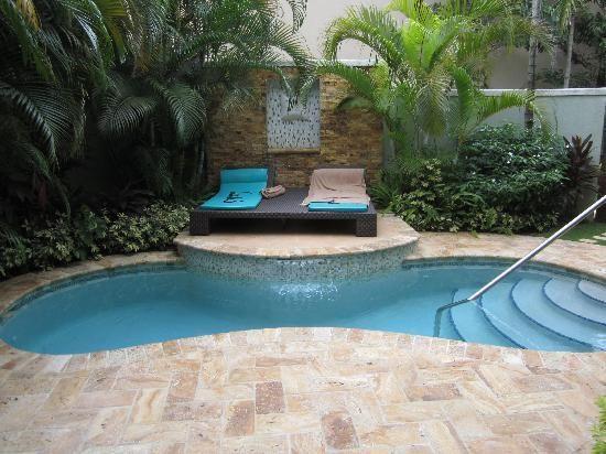 plunge pool @Sandra Pendle Pendle Pendle Stone Pearce Negril Like the herringbone pavers