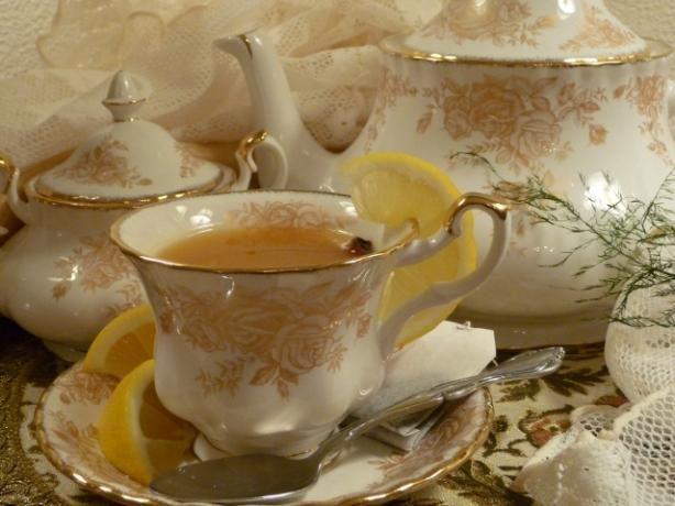 Hot Spiced Apricot Tea recipe