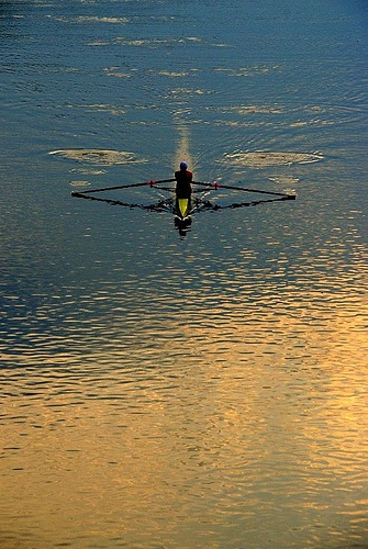I LOVE sculling in the morning, nice puddles