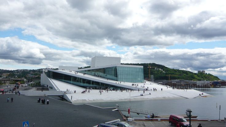 The Oslo Opera House is the newest architectural jewel in Norway´s capitol, Oslo.