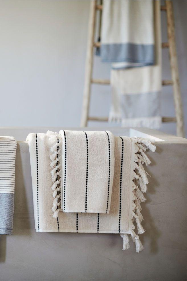 #affiliatelink #werbung   Badezimmer badeWohnzimmer Sessel skandinavisch, Design, Minimalistisch, Garten minimalistisch Garten dekoration Einrichtung,…